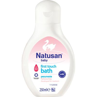 First Touch Bath -pesuneste vauvan kylvetykseen